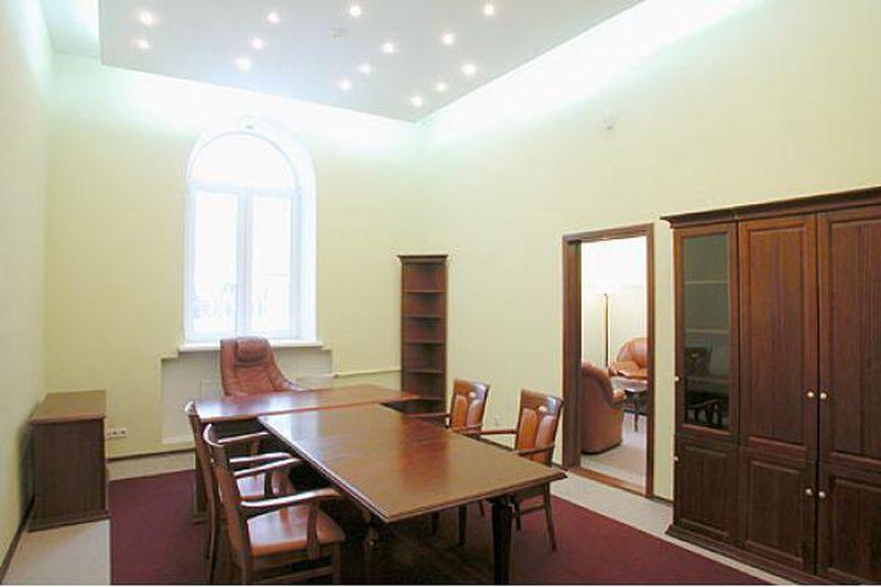 Ремонт офиса, выполненный в классическом стиле